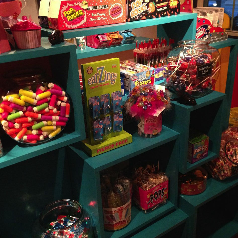 sweets_shortshelf